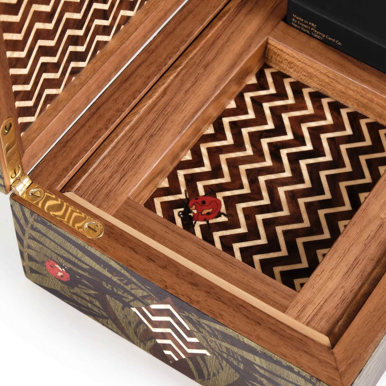 Alexandra Llewellyn Jungle Card Box Detail 04